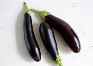 Saisonales Gemüse: Auberginen in Hülle und Fülle.