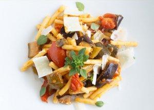 Sizilianische Caponata – Sommer-Soulfood aus saisonalem Gemüse.